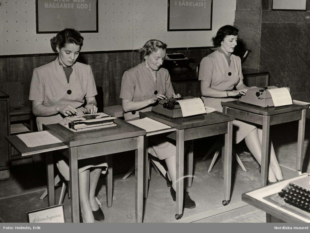 dia_da_secretaria_2  Secretária trabalhando no início do século 20